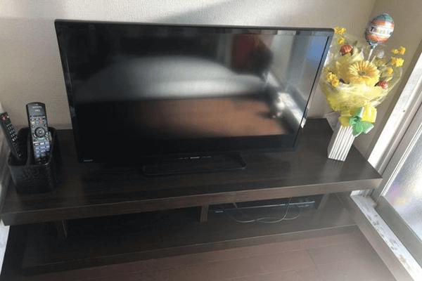 不要になった液晶テレビとテレビ台を回収しました