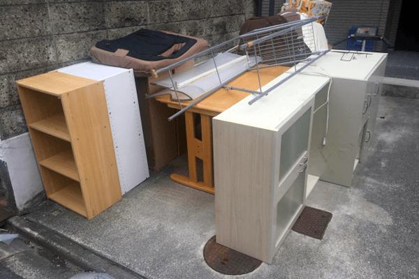 不法投棄された家電・家具の撤去